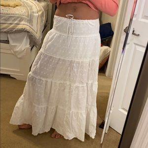 Super cute juicy couture white eyelet skirt !! M